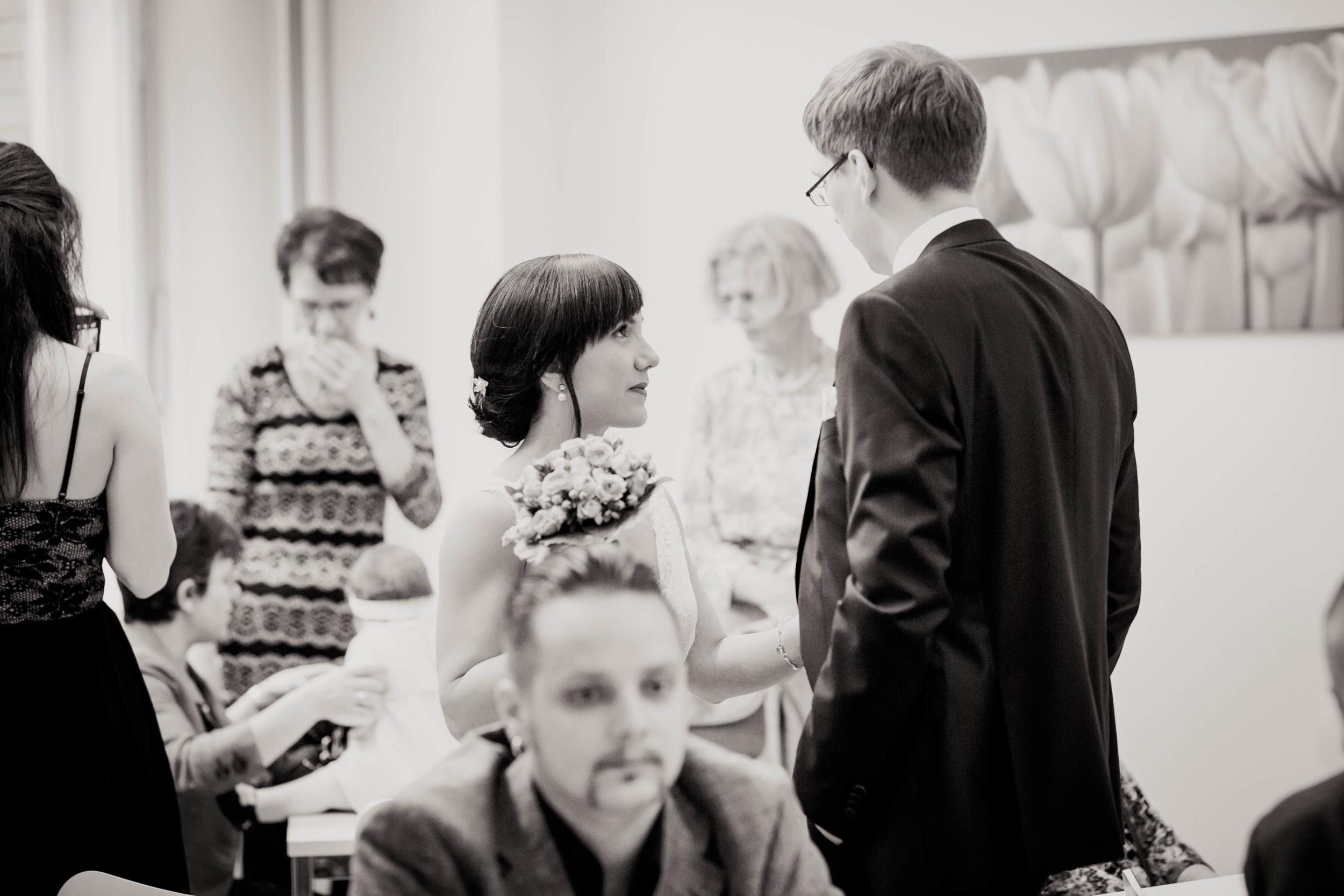 Fran Burrows Hochzeitsfotografie Berlin_Lichtenberg Standesamt-16.jpg