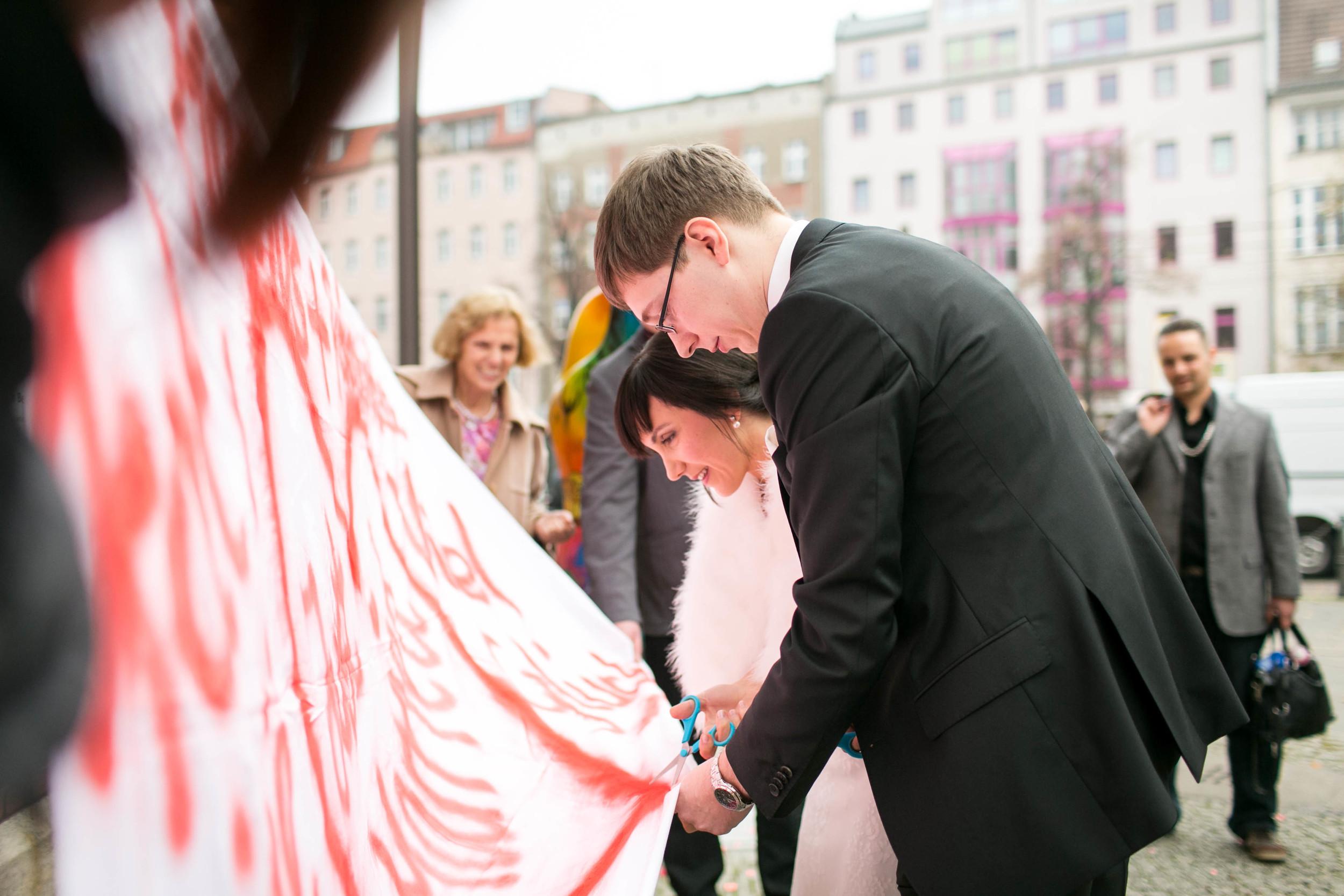 Fran Burrows Hochzeitsfotografie Berlin_Lichtenberg Standesamt-33.jpg