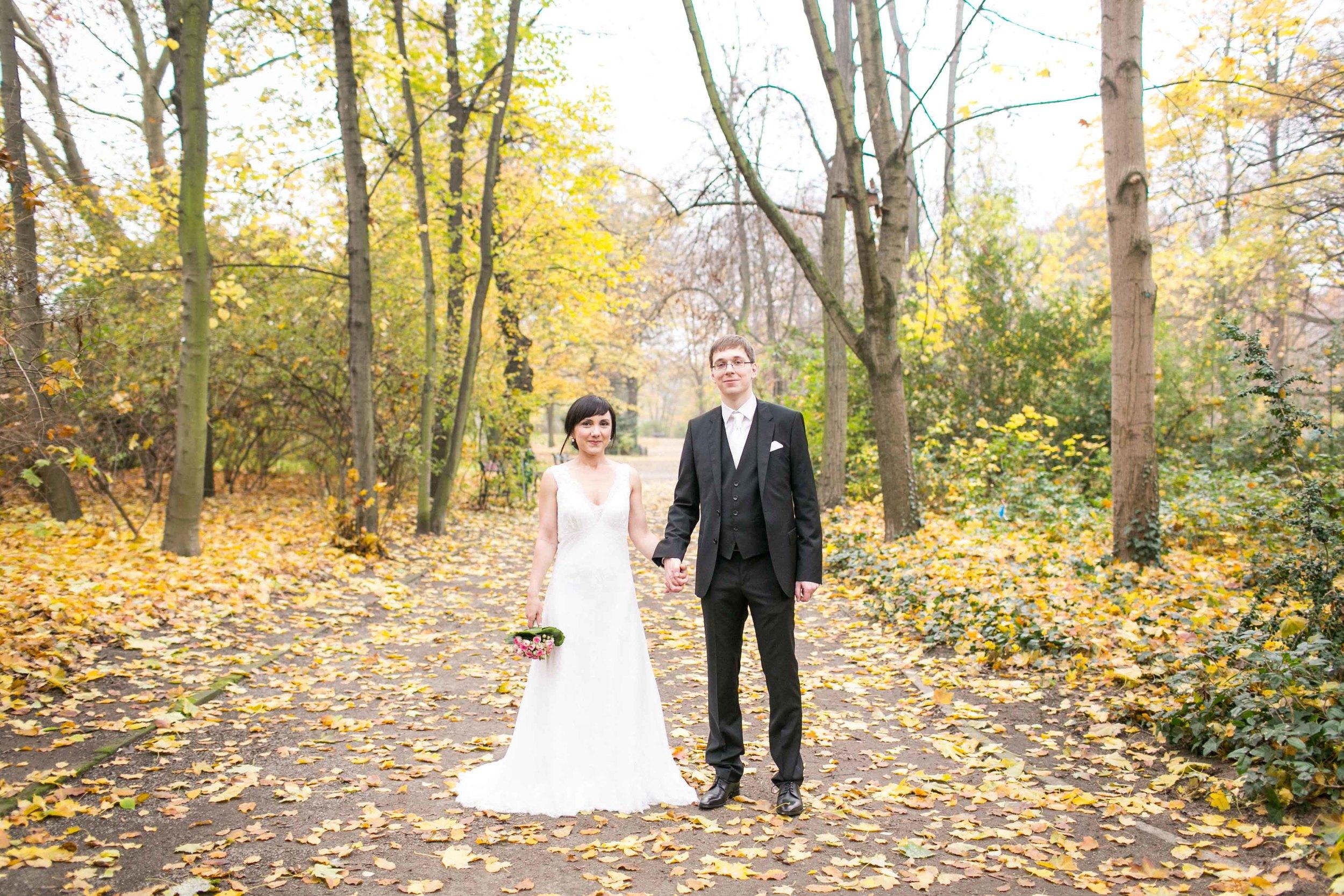 Fran Burrows Hochzeitsfotografie Berlin_Lichtenberg Standesamt-52.jpg