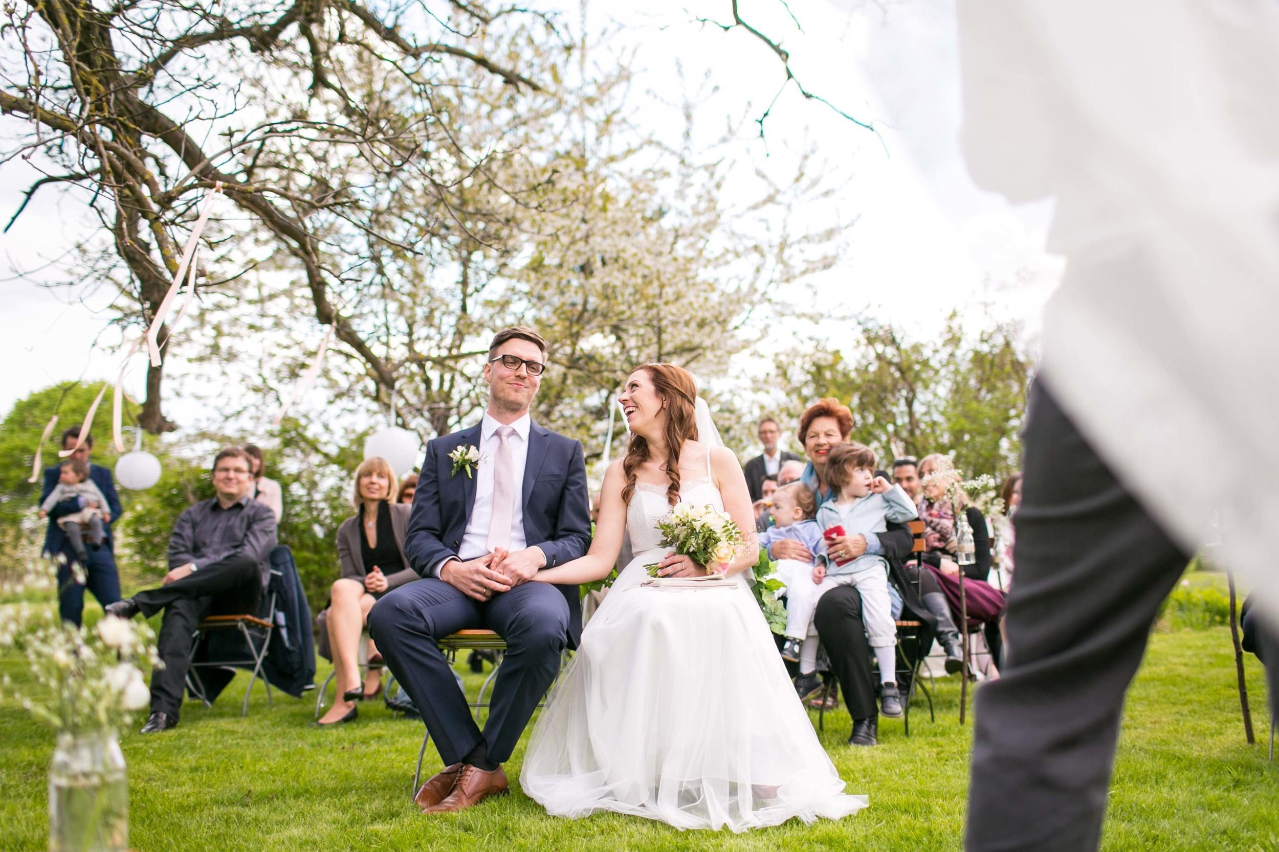 Berlin Hochzeitsfotografin Gartenglueck Wegendorf Hochzeitsreportage-48.jpg