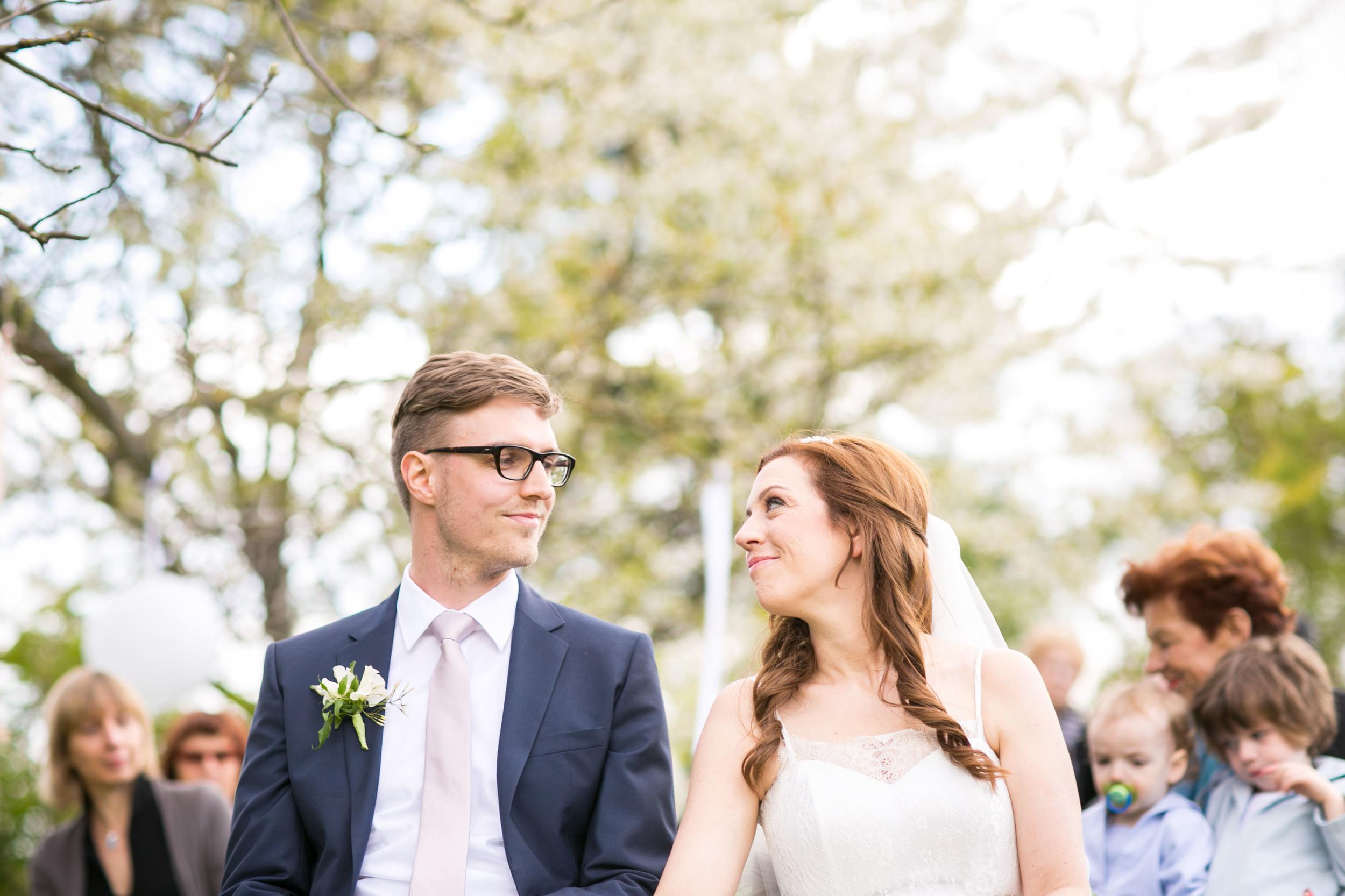 Berlin Hochzeitsfotografin Gartenglueck Wegendorf Hochzeitsreportage-52.jpg