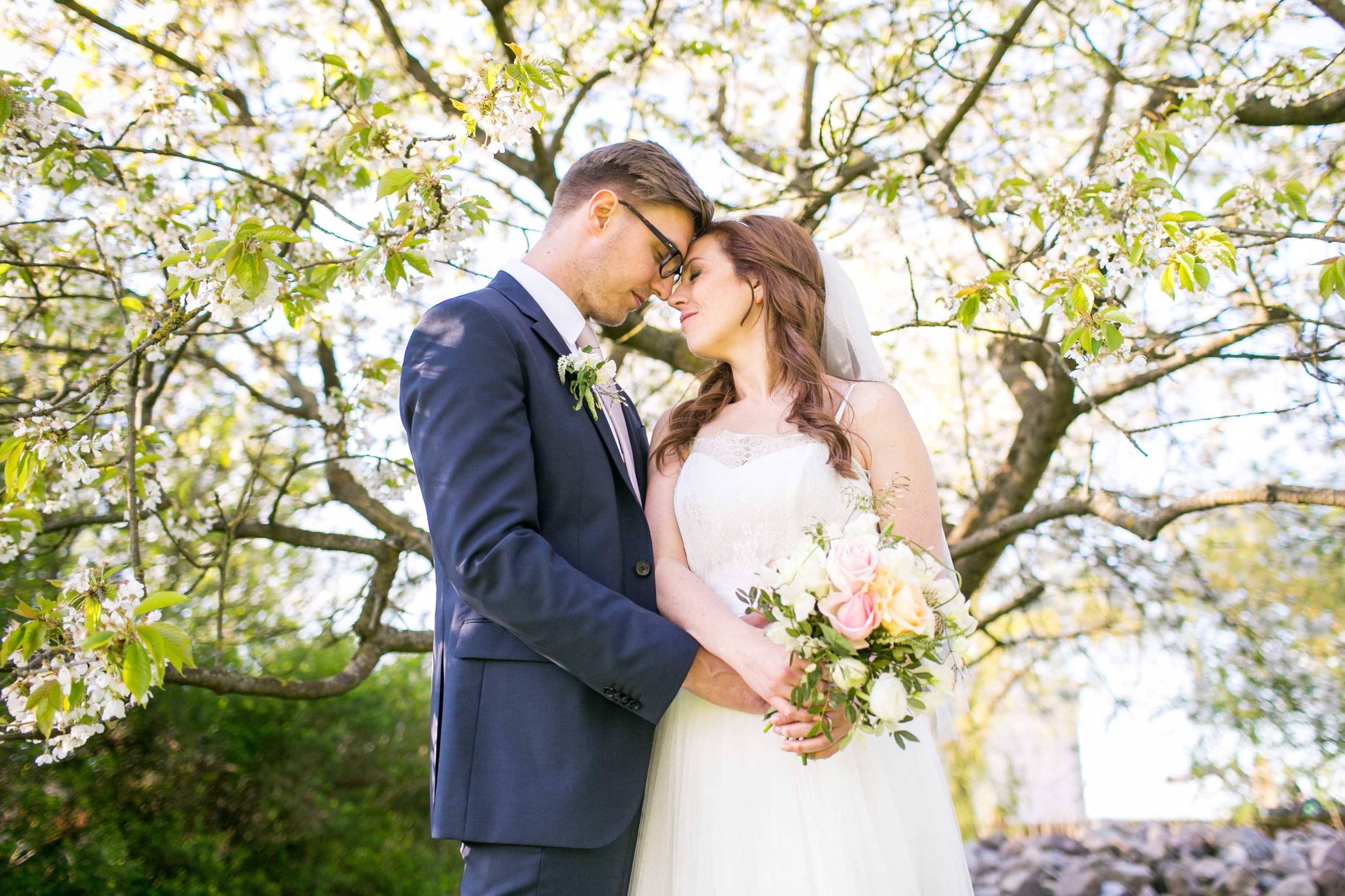 Berlin Hochzeitsfotografin Gartenglueck Wegendorf Hochzeitsreportage-94.jpg
