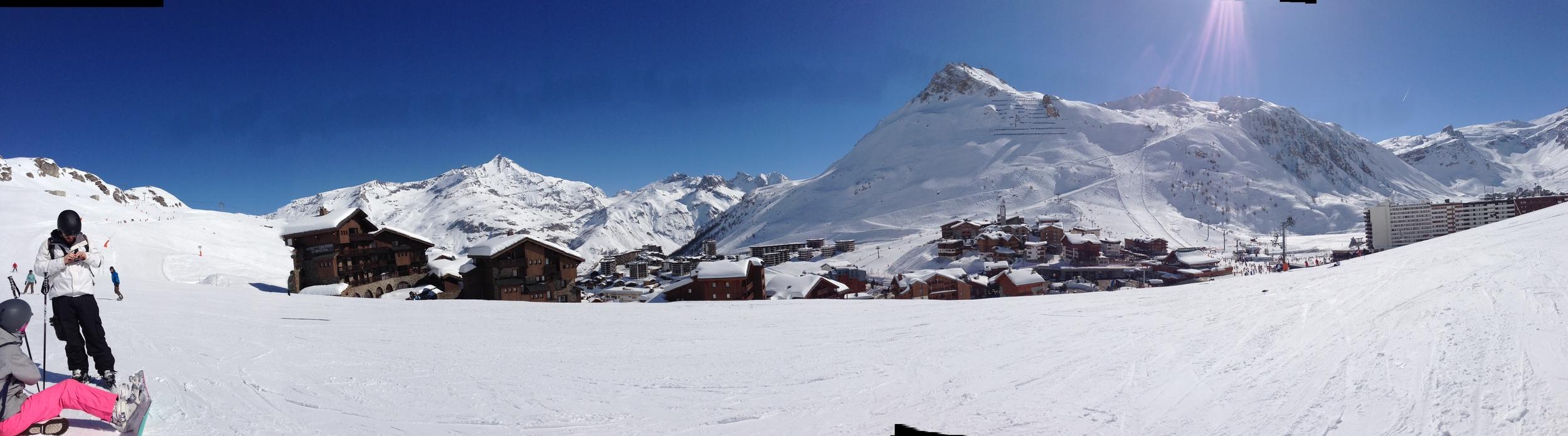 The view in Tignes. Sjnien and Loek on the left.