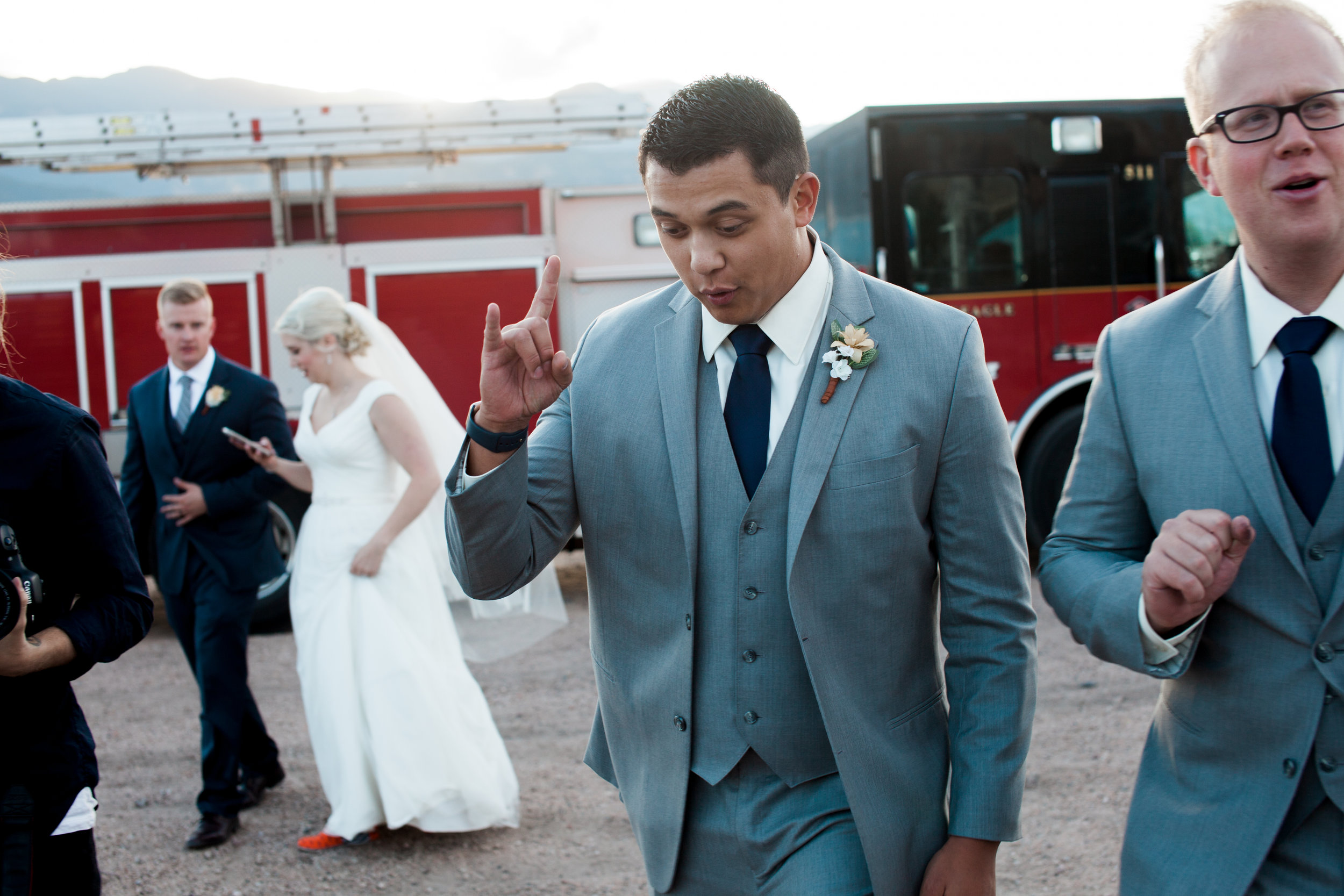 fun-wedding-photos.jpg