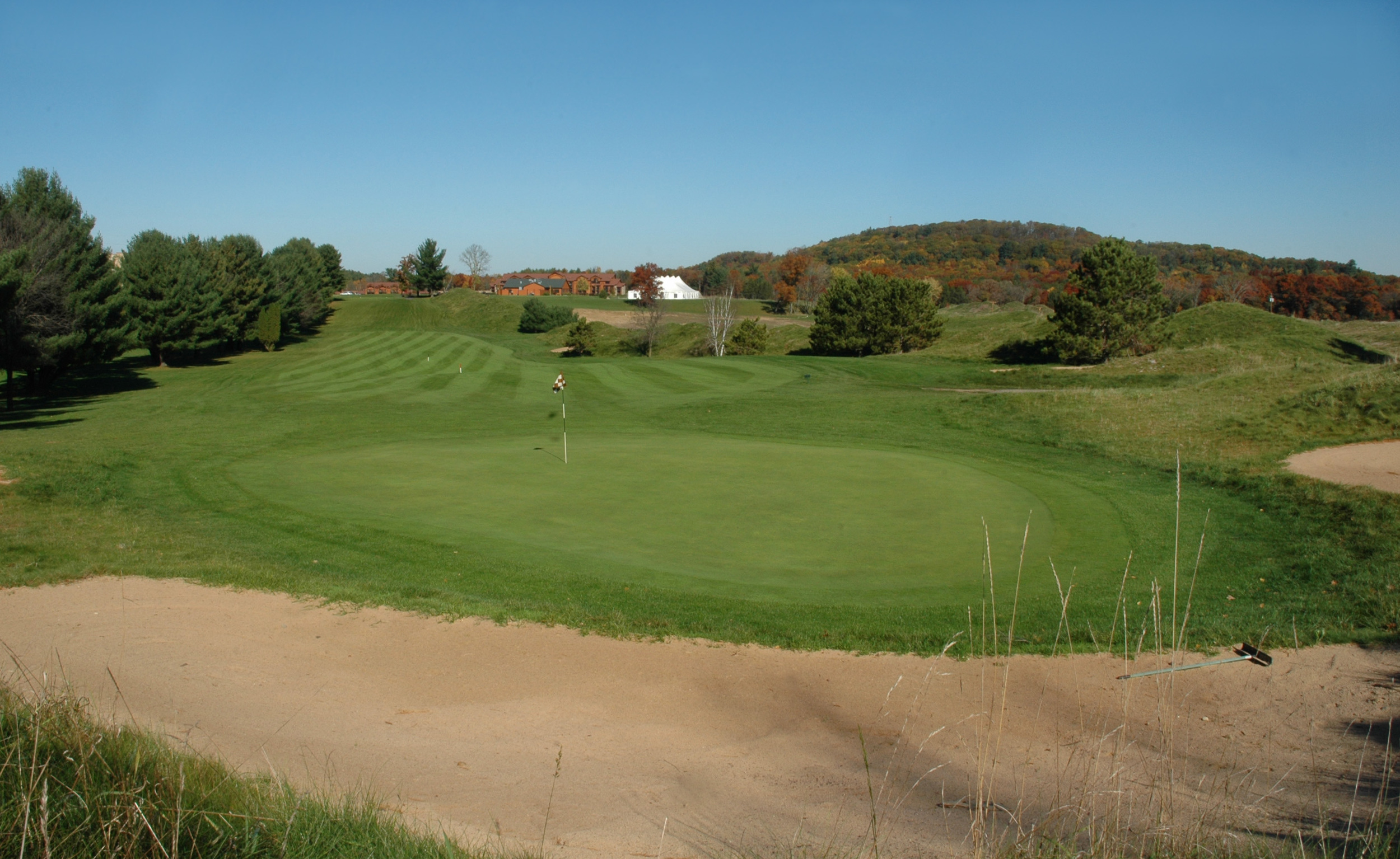 Enjoy a round of golf at Coldwater Canyon Golf Course