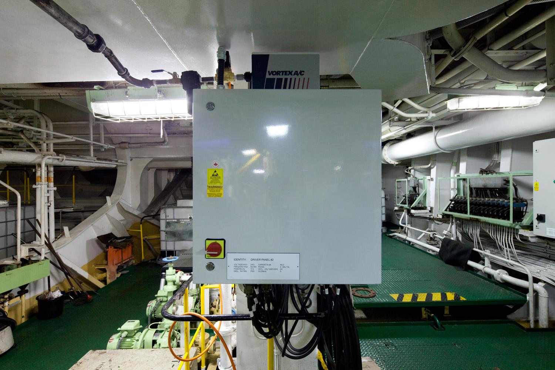 EPP-TUV1102-Engine-01.jpg