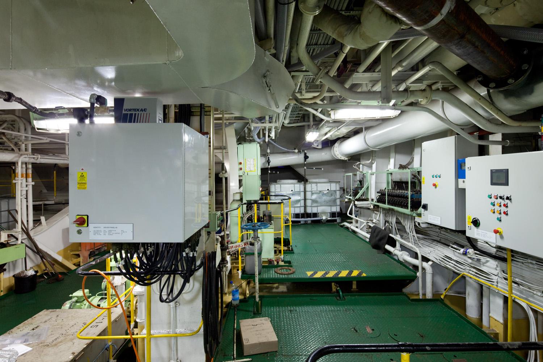 EPP-TUV1102-Engine-03.jpg