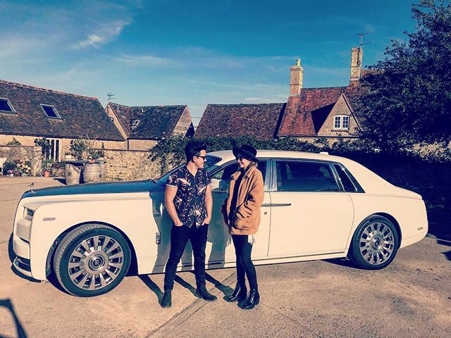 Discussing our most recent band purchase! #rollsroyce @strattoncourtbarn