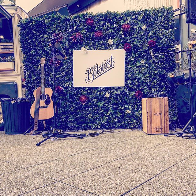 We had an awesome time performing for @thebotanistuk pop up bar in Cheltenham! Thanks for having us! A massive thanks to @genremusic for having us perform!