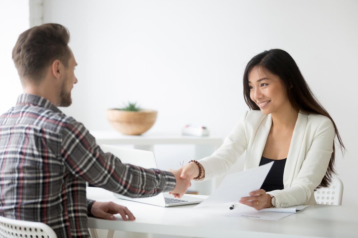 sales recruiters meeting candidate.jpg