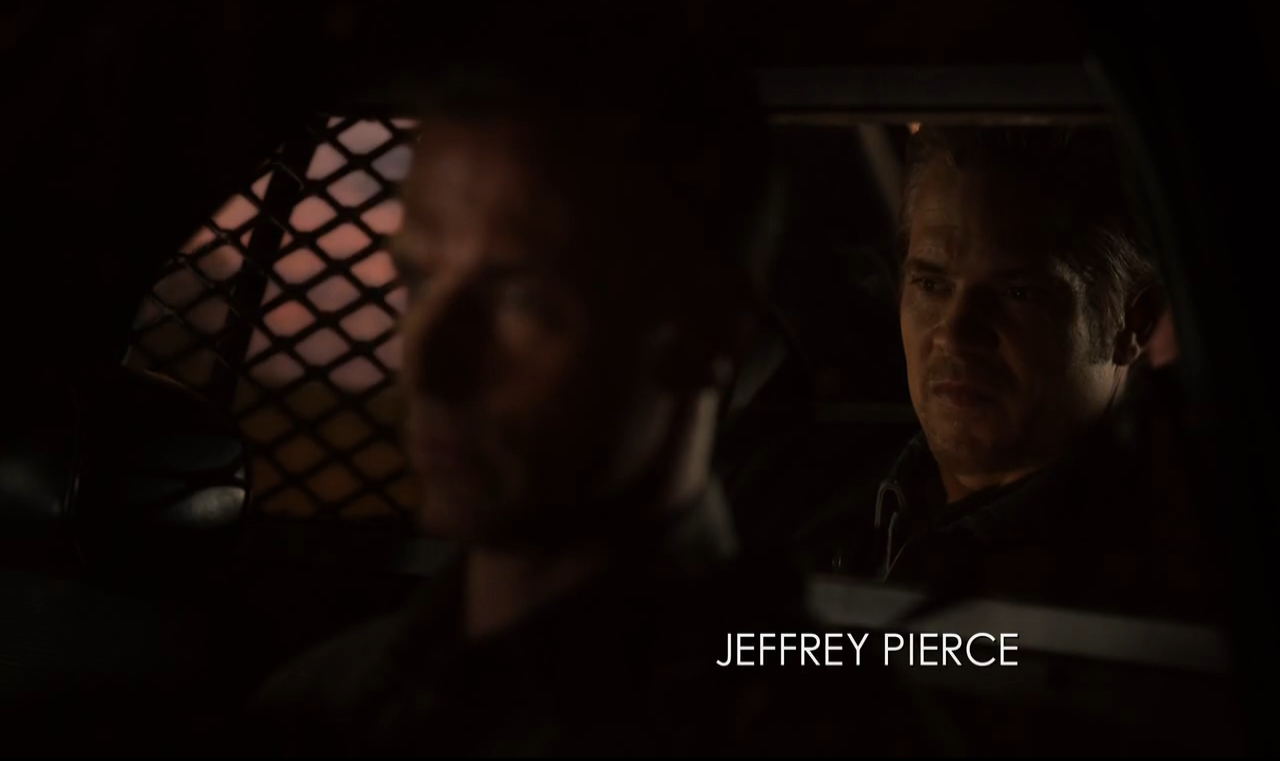 Justified s06e13 Driving Plates 02.png