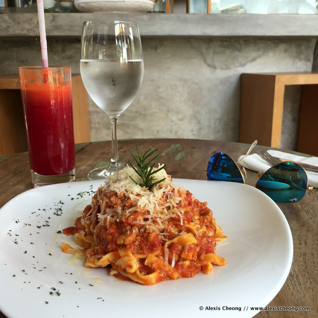 Tagliatelle with duck ragu and a healthy beetroot carrot ginger juice
