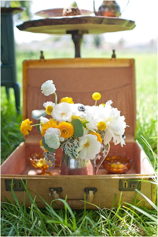 white-yellow-flowers.jpg