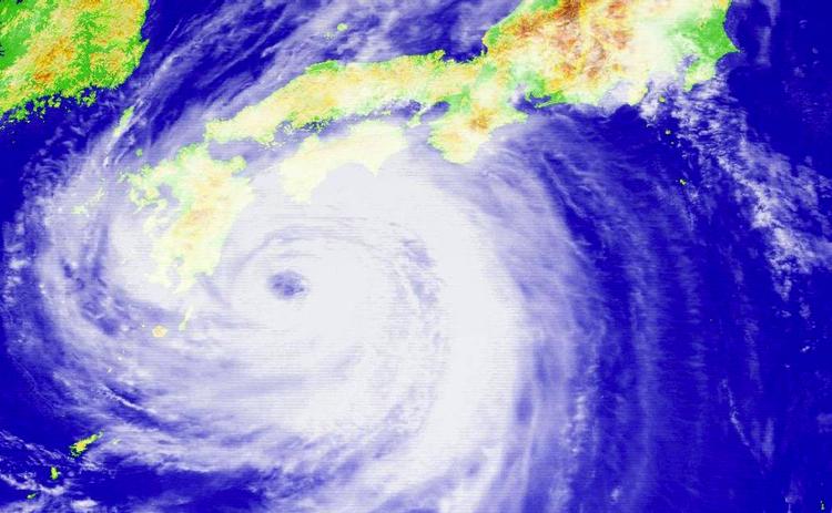 Sattelitbild över en tyfon över Japan - dock inte den som precis passerat.