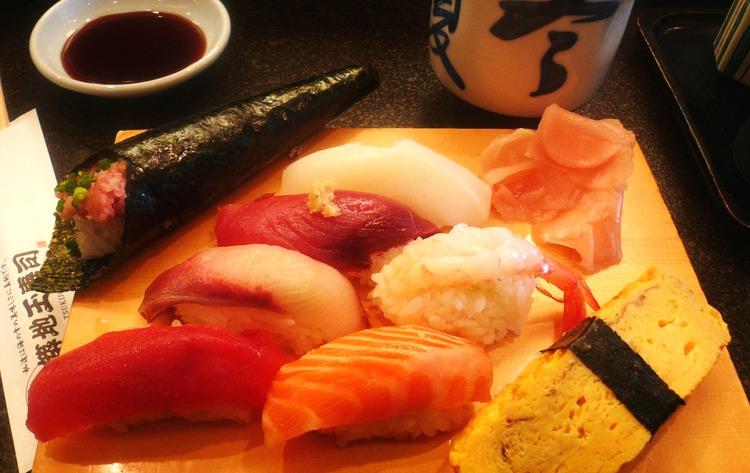 Sushi är och förblir en evig favorit. Gott och nyttigt.  Foto: WIkimedia Commons