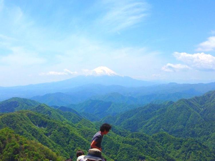 En himla fin bild från en kompis som besteg ett berg nu här i helgen. Den visar verkligen hur kuperat Japan kan vara (utan överdrift!).  Foto: Shigetoshi Heiho
