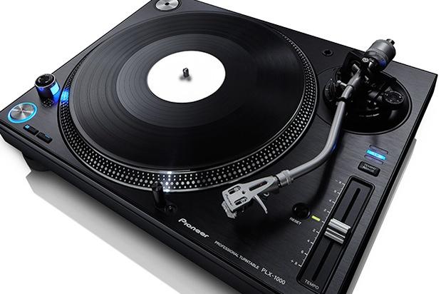 En trend i tiden heter LP-skivor - de är heta igen! Pioneer släpper sin första nya skivspelare på 14 år.