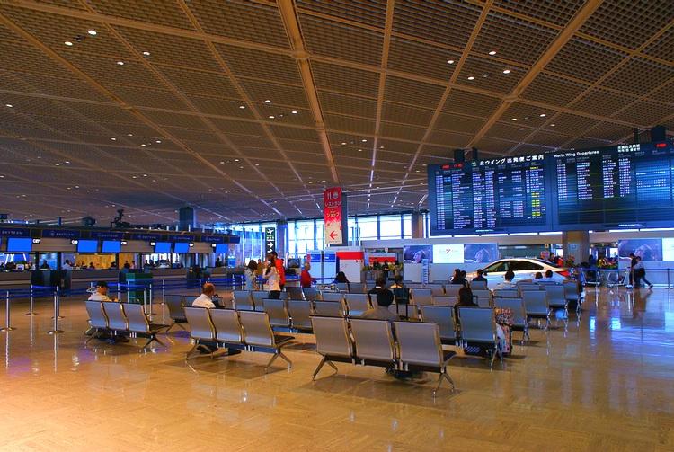 Så här ser det ut i de befintliga terminalerna, ungefär samma stuk som i resten av världen. Man lovar nya grepp i terminal 3 - återstår att se hur det kommer att se ut.