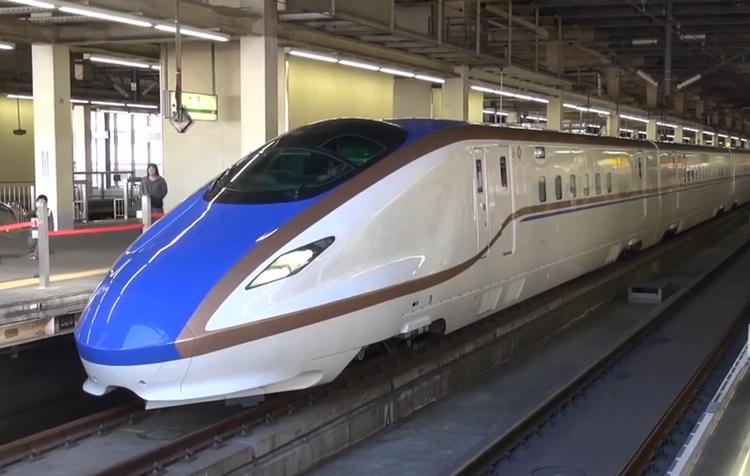 Här har vi den senaste serien Shinkansen-tåg, den så kallade E7-serien.