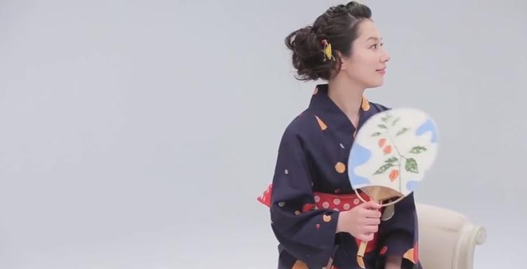 Yukata är lätta och sköna att ha på sig under den varma japanska sommaren.  Foto: Uniqlo