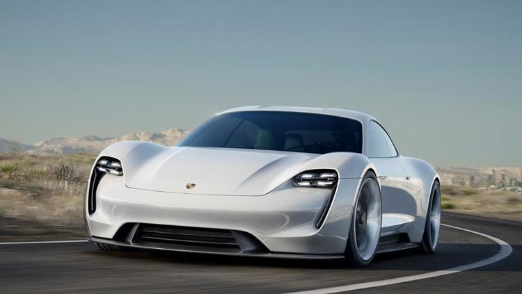 Porsches kommande elbil - Mission E  Foto: Porsche