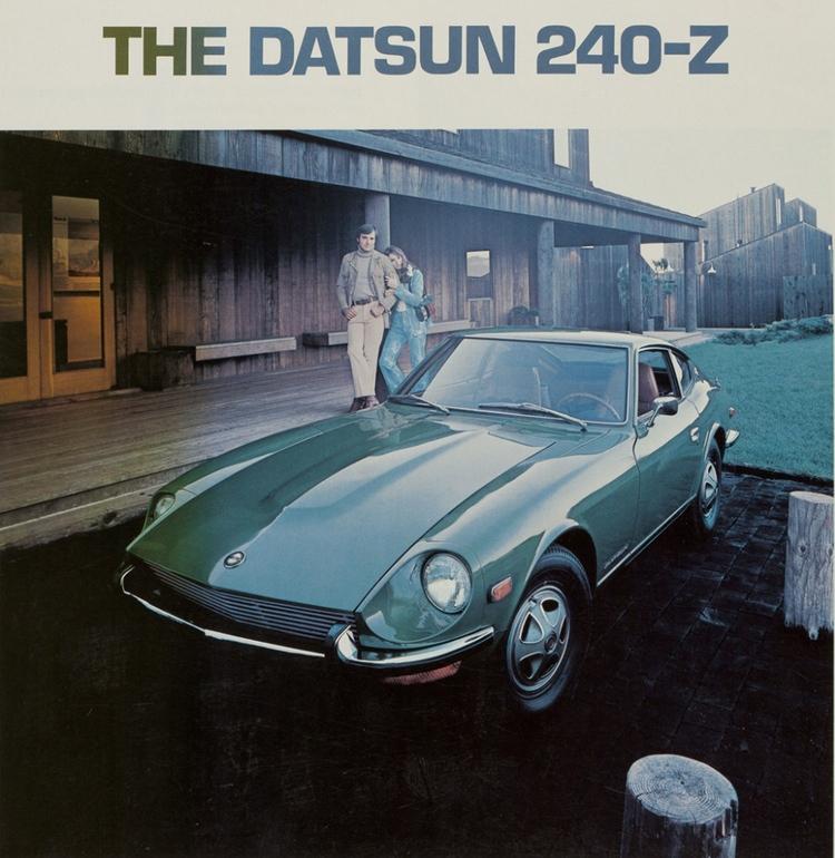 Den första riktigt populära japanska sportbilen - Datsun 240 Z  Tidstypiskt nog så handlade det om att kvinnan i ditt liv givetvis gillade ditt val av bil..