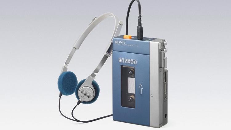 Sonys första Walkman var en revolutionerande produkt när den kom 1979. Aldrig förr hade audio varit så här bärbart.
