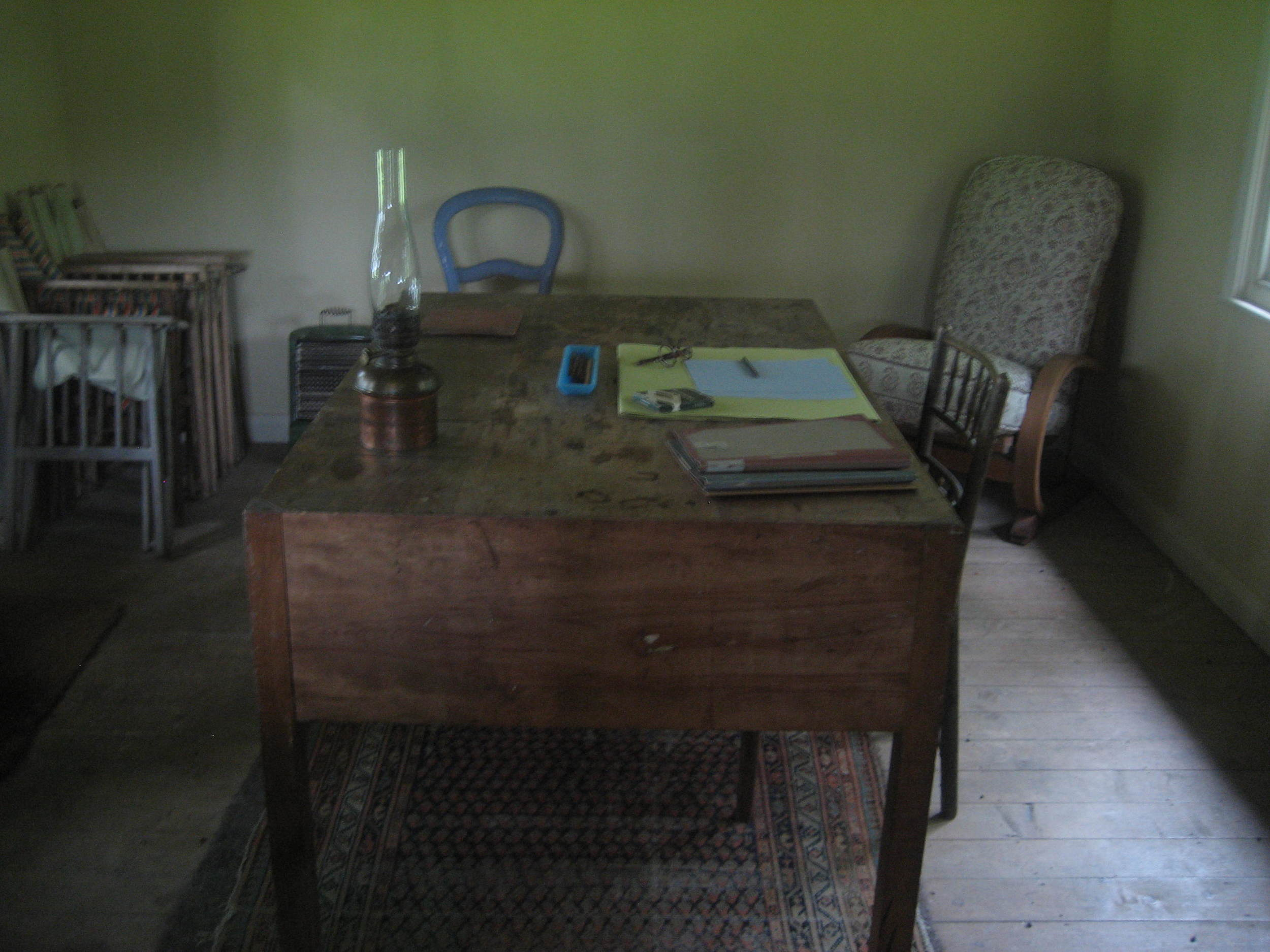 Woolf's writing shed in the backyard