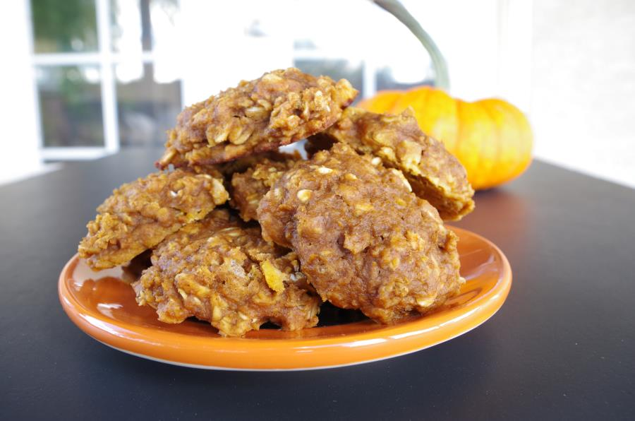 Spiced Pumpkin Oatmeal Cookies! Two variations - Healthy  Gluten-Free + Vegan  or  Whole-Grain !