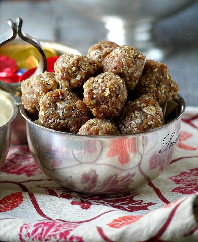 http://www.healthyrecipeecstasy.com/easy-spiced-almond-date-balls/