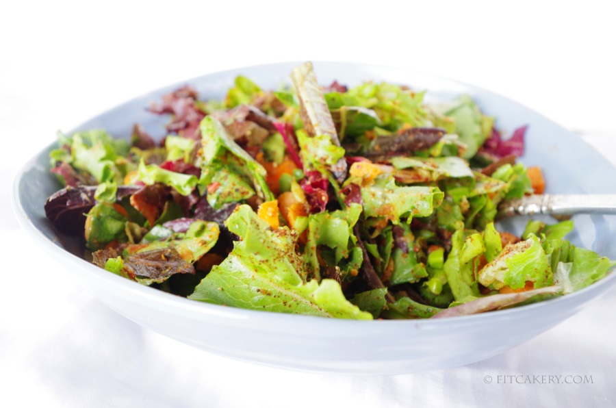 One of my favorite ways to easily + quickly dress a healthysalad!