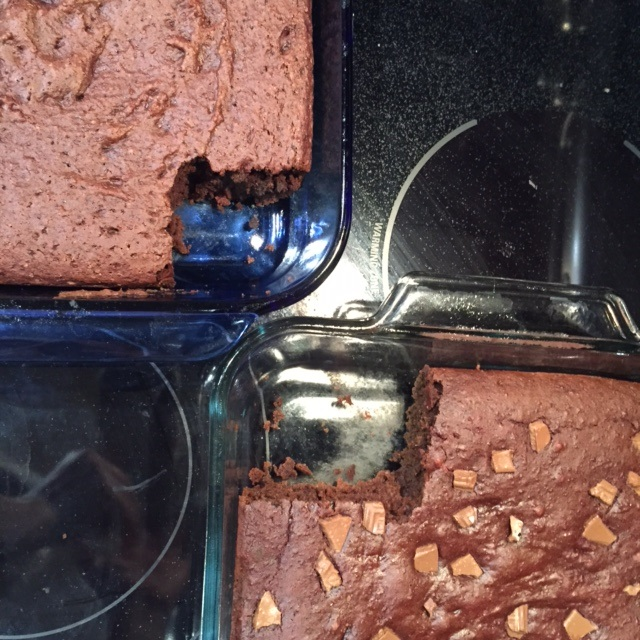 My secret-ingredient protein brownies and cake make the BEST pre- AND post-workout snacks!