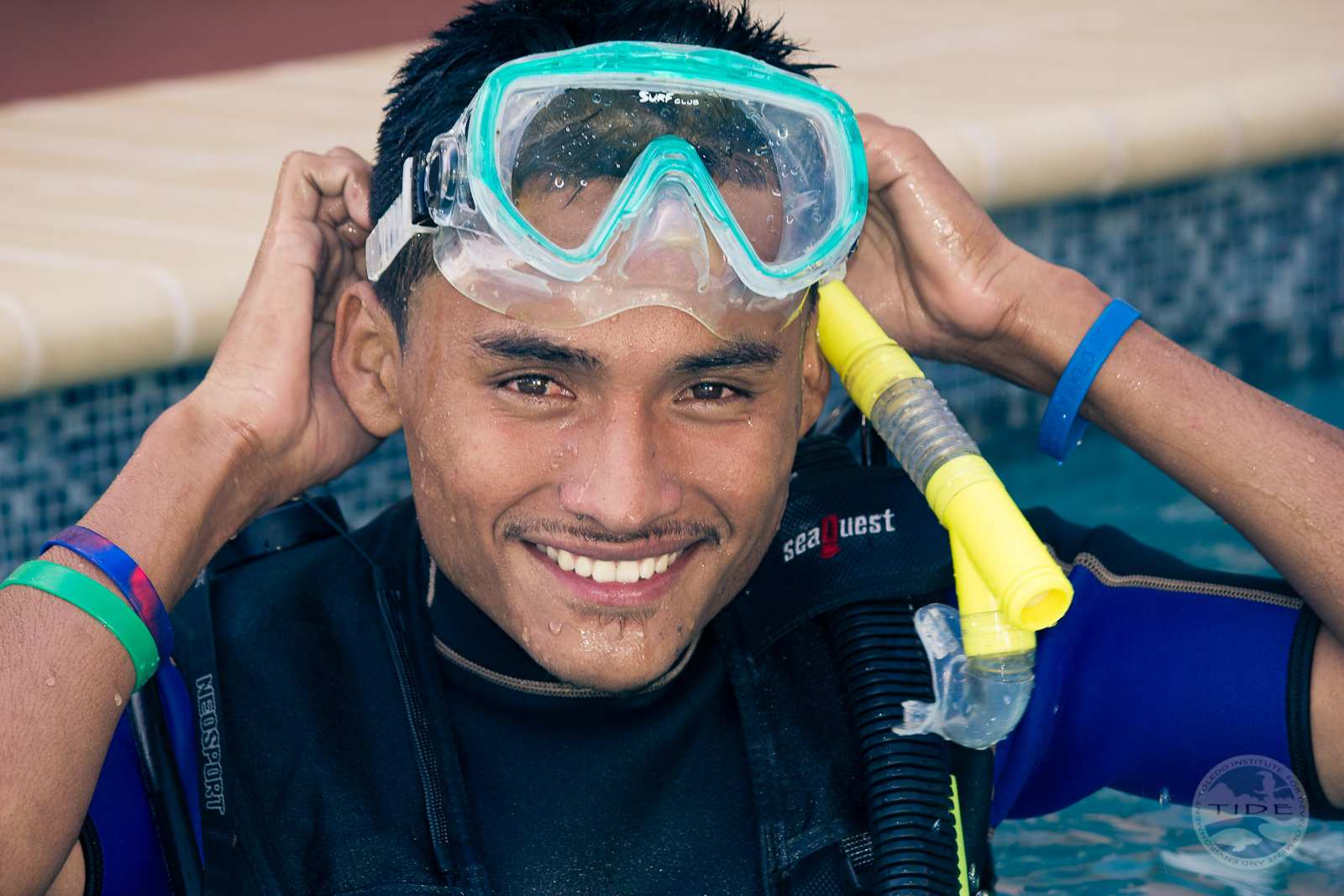 TIDe trains and employs local youths to SCUBA dive and carry out environmental monitoring.