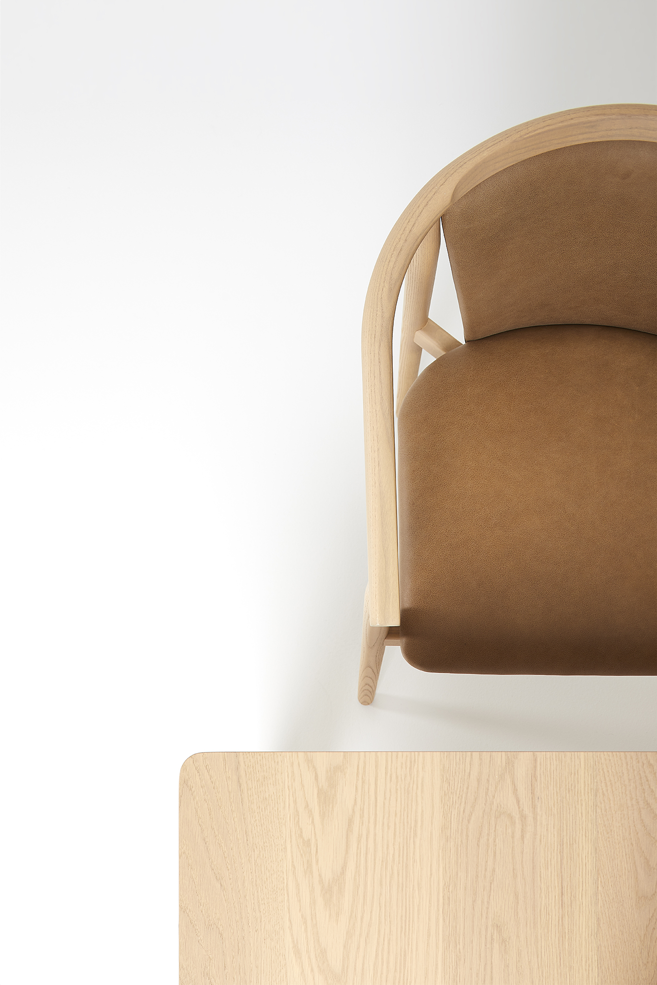 ADV_180911_O-Chair-Table-Detail-0018_001.jpg