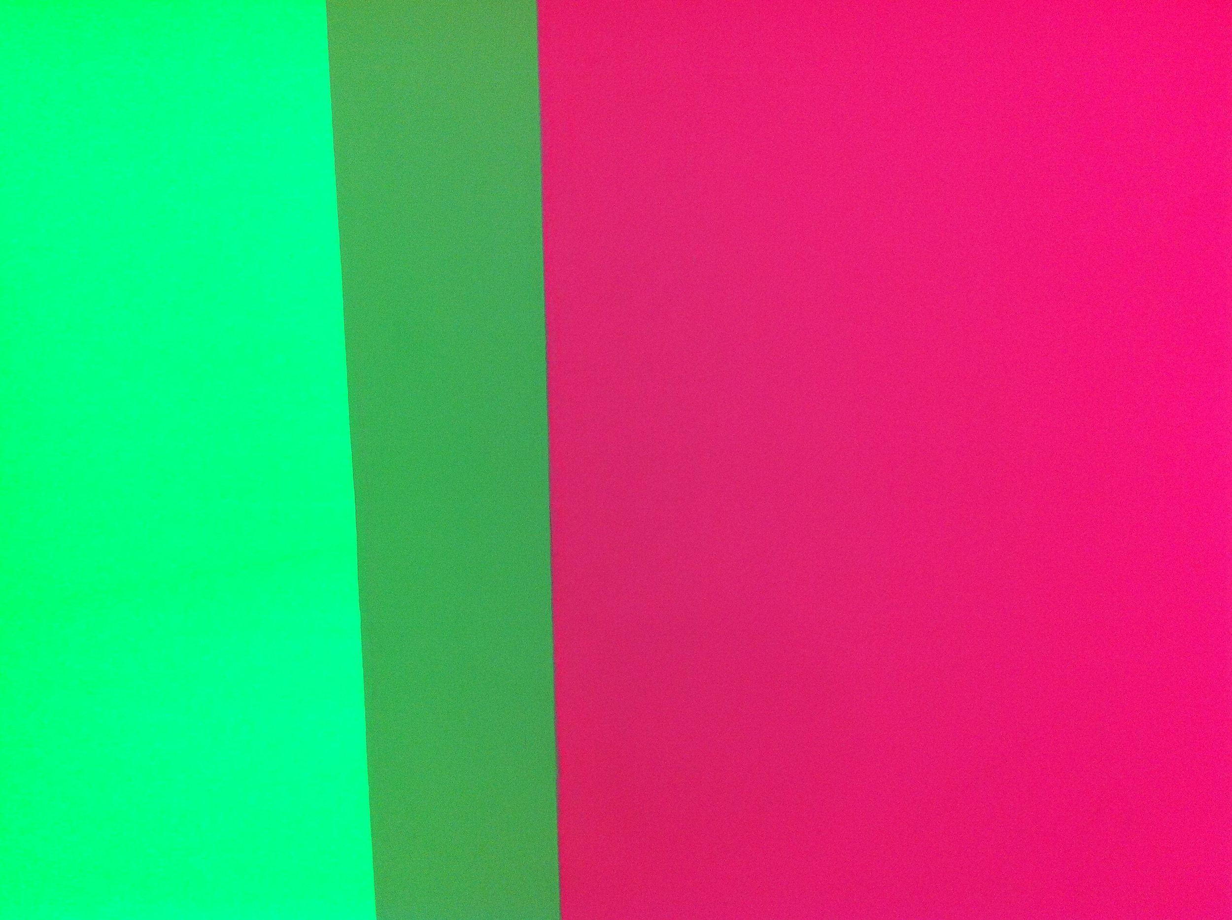 Photographing light. Contradictory but here it is. Carlos Cruz-Diez. Brilliant.