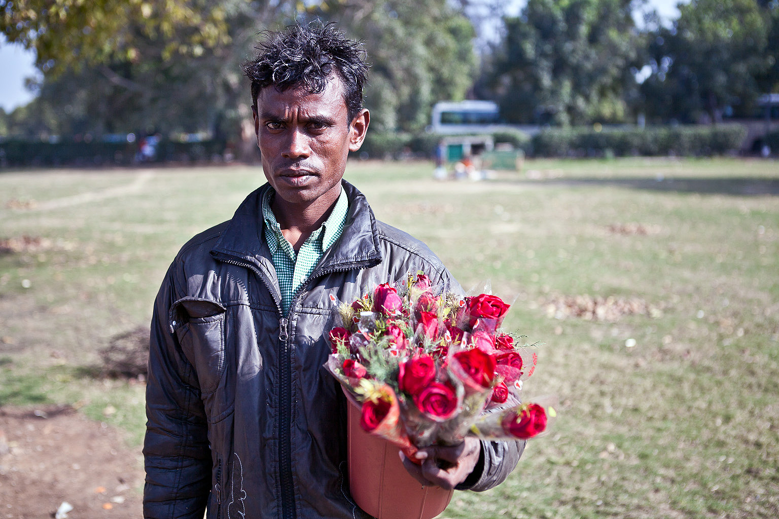 He sells roses to buyers near India Gate.
