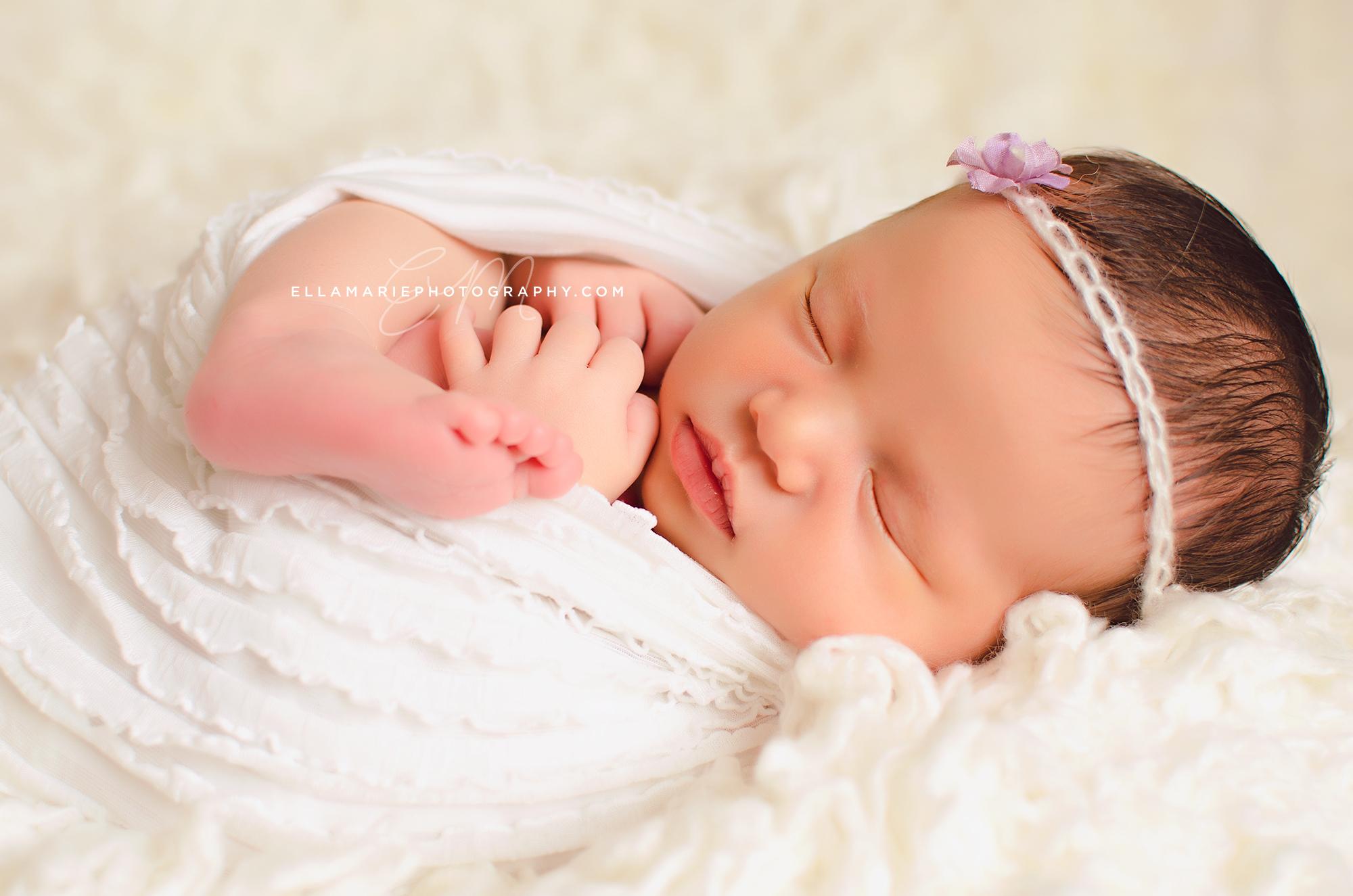 OliviaNewborn24fb.jpg