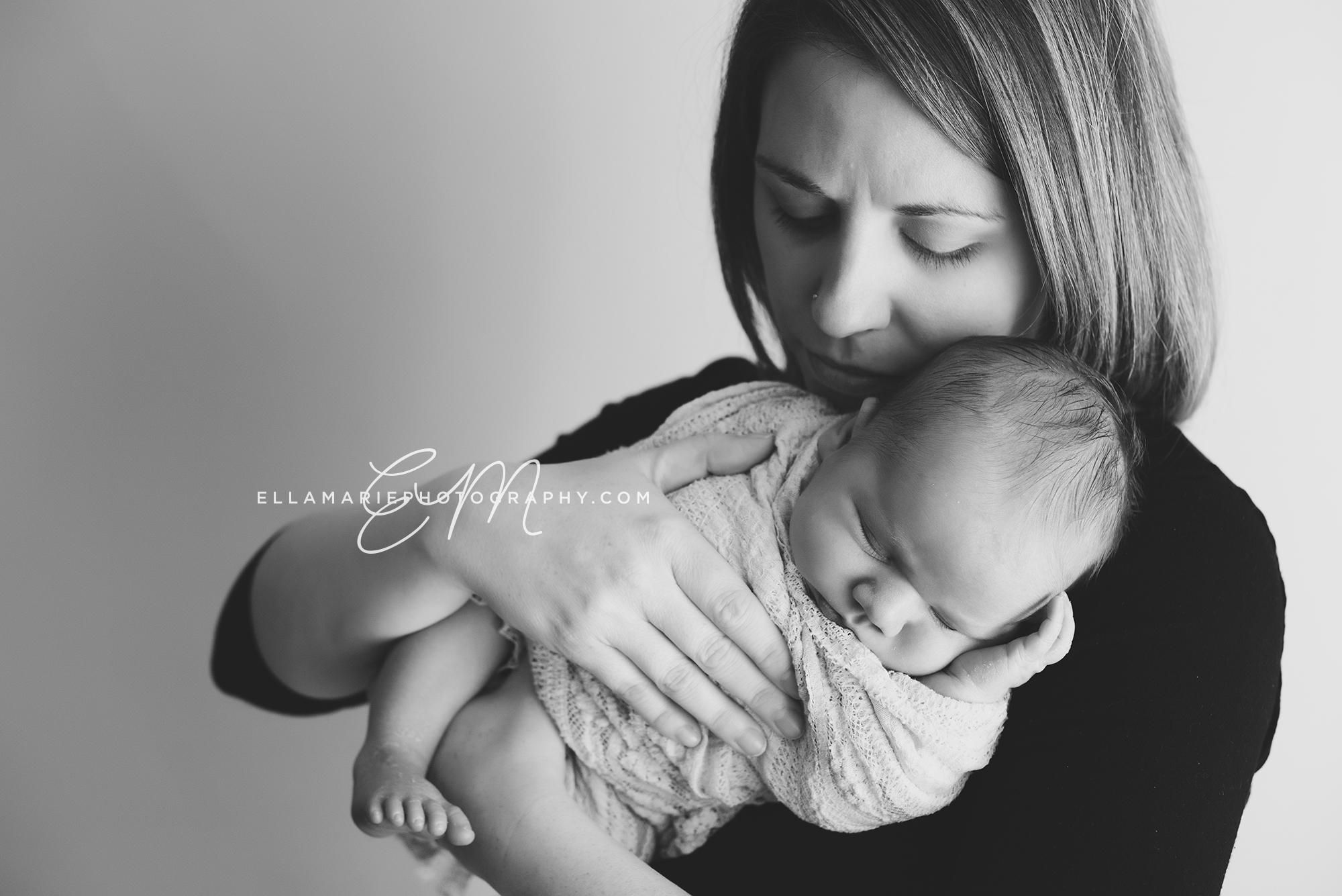 EllaMariePhotography_Waterloo_Kitchener_Baden_Newborn_Photographer_Liam01.jpg