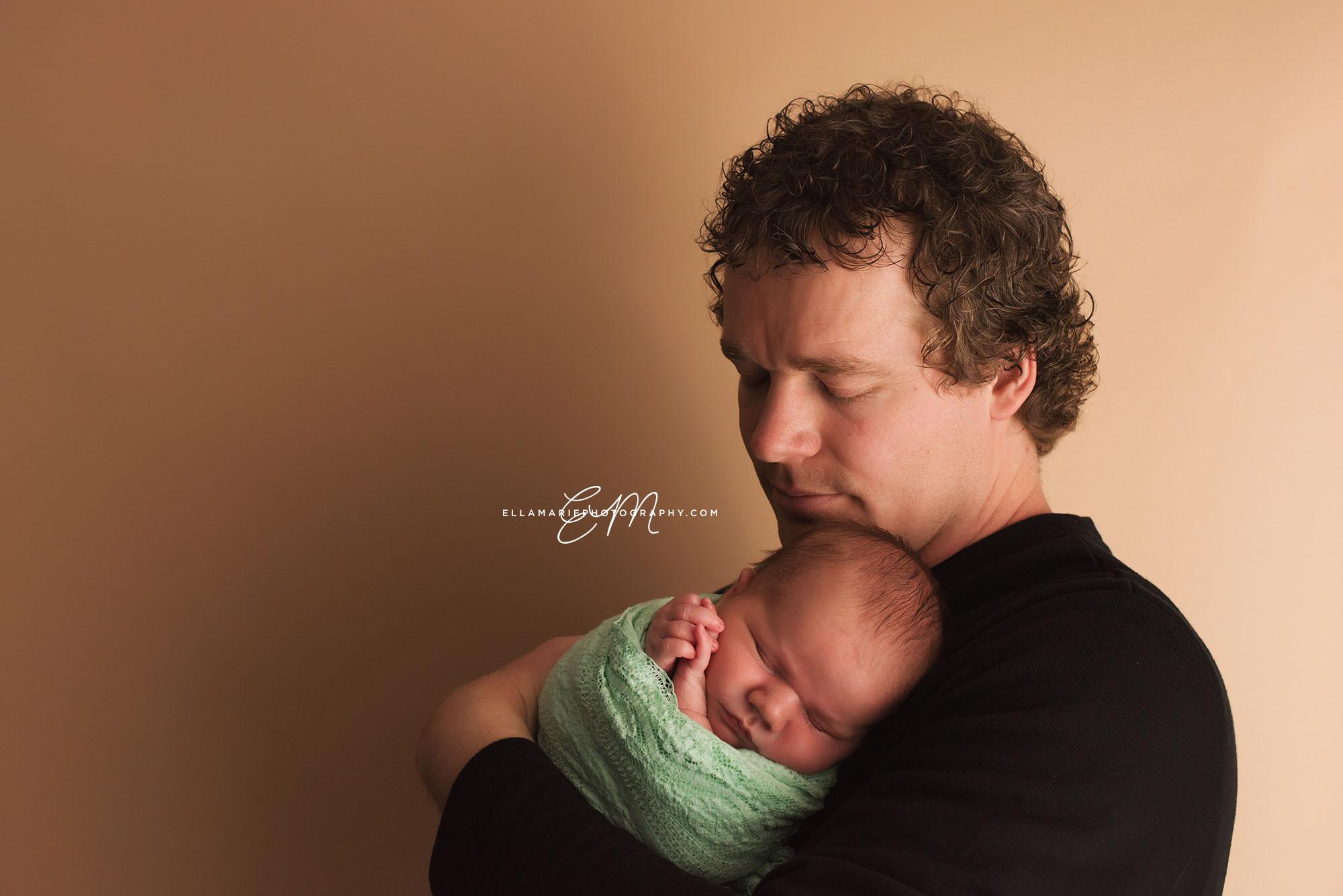 EllaMariePhotography_Waterloo_Kitchener_Baden_Newborn_Photographer_Liam08.jpg