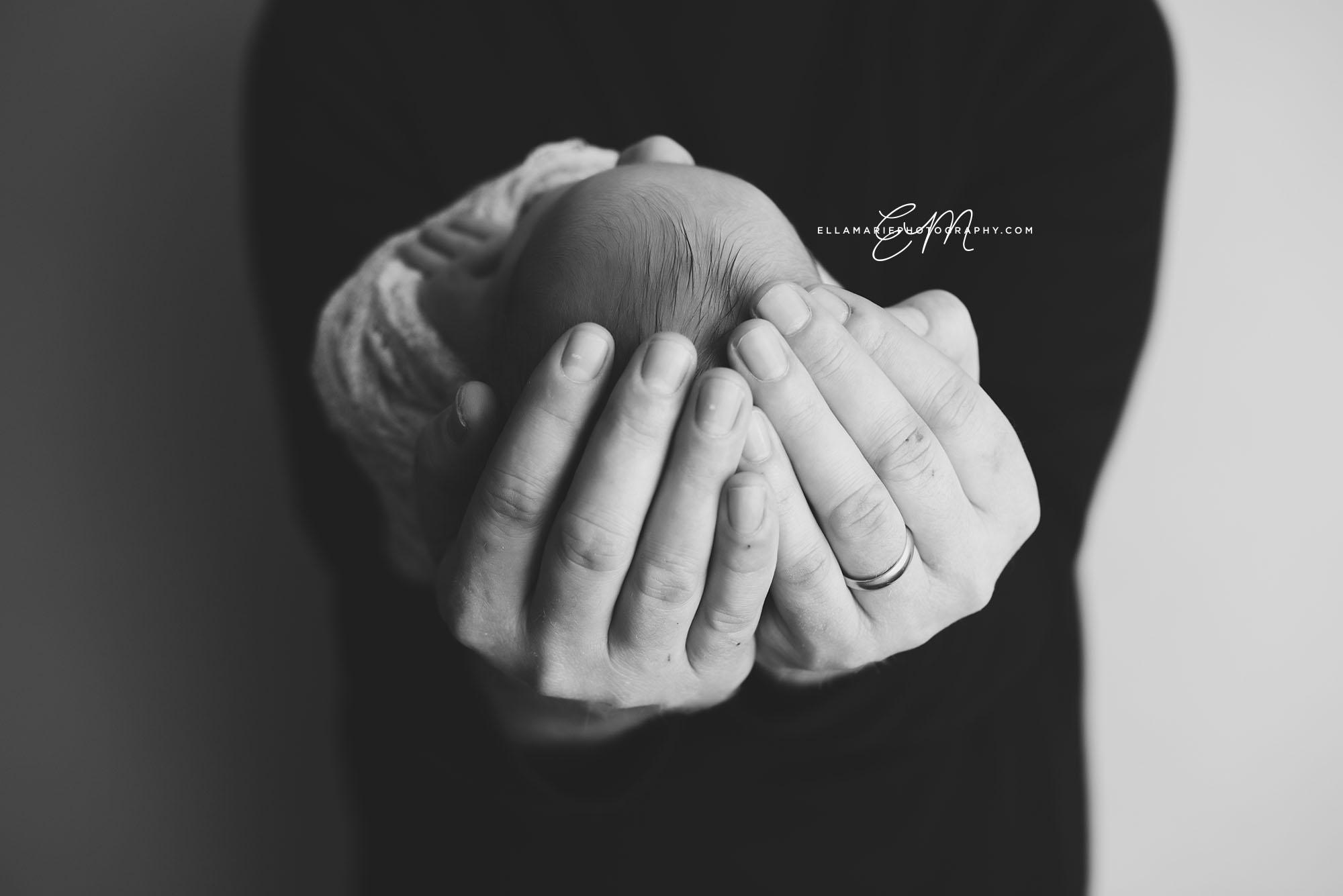 EllaMariePhotography_Waterloo_Kitchener_Baden_Newborn_Photographer_Liam10.jpg