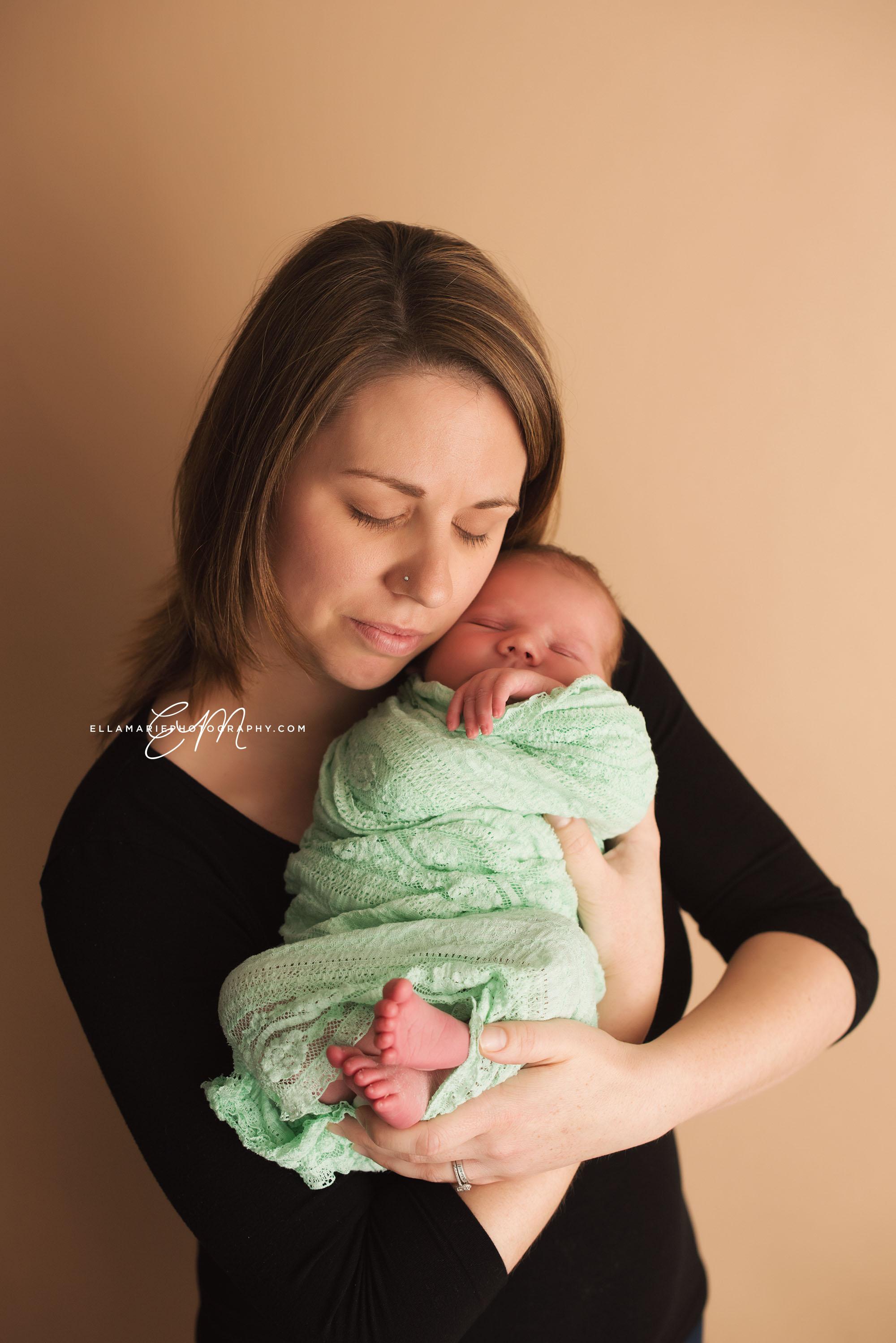 EllaMariePhotography_Waterloo_Kitchener_Baden_Newborn_Photographer_Liam12.jpg
