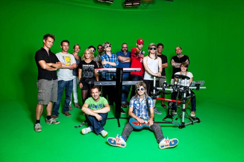 Crewfoto am Webedreh für Postfinance mit den Loco Slickers