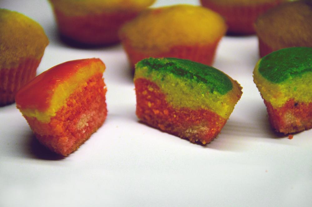 1.4regenbogencupcake.s.jpg