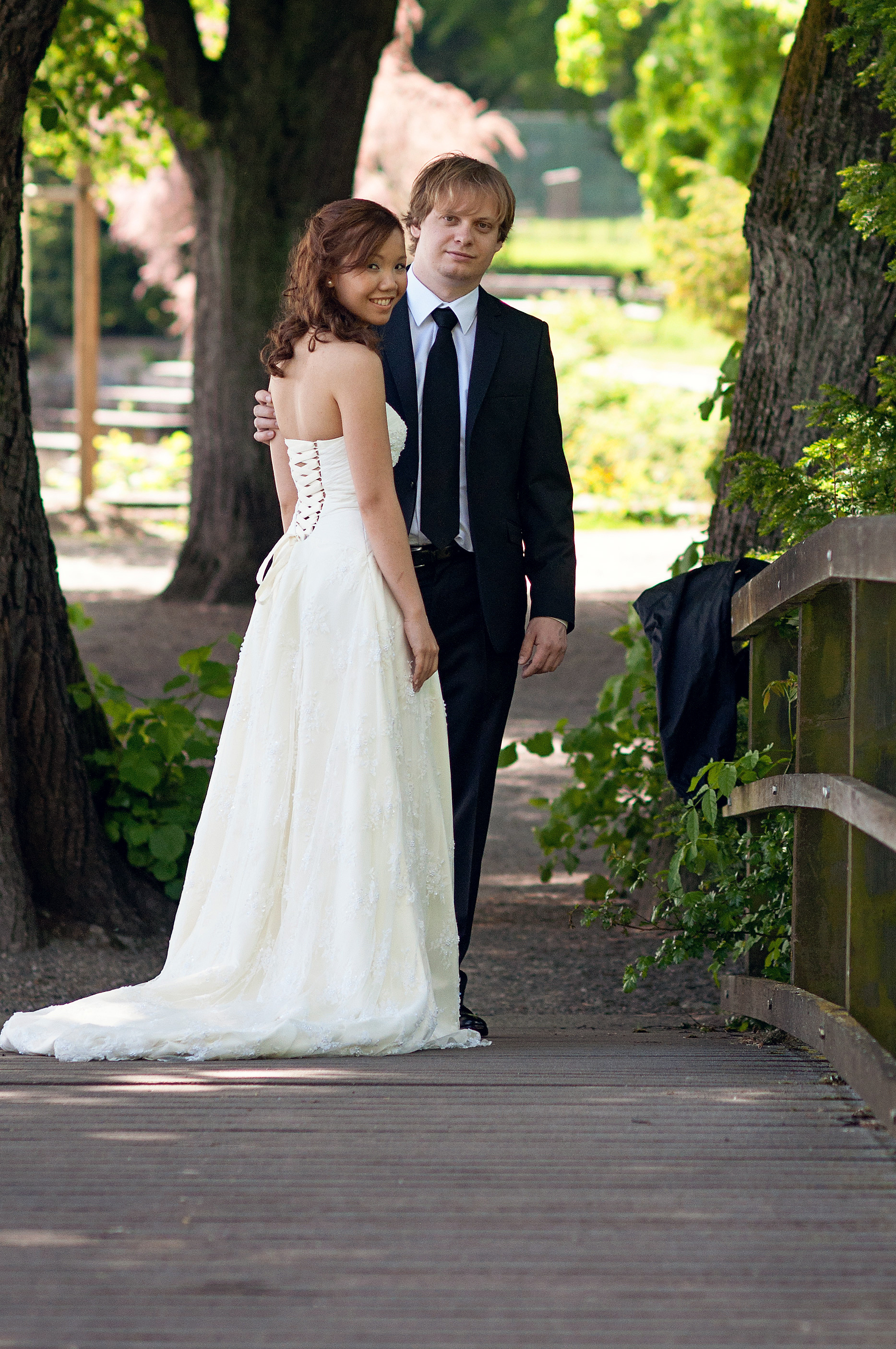 weddingashclose.jpg