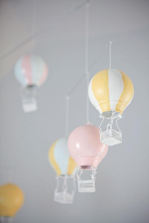 Hot air balloon nursery mobile.jpg