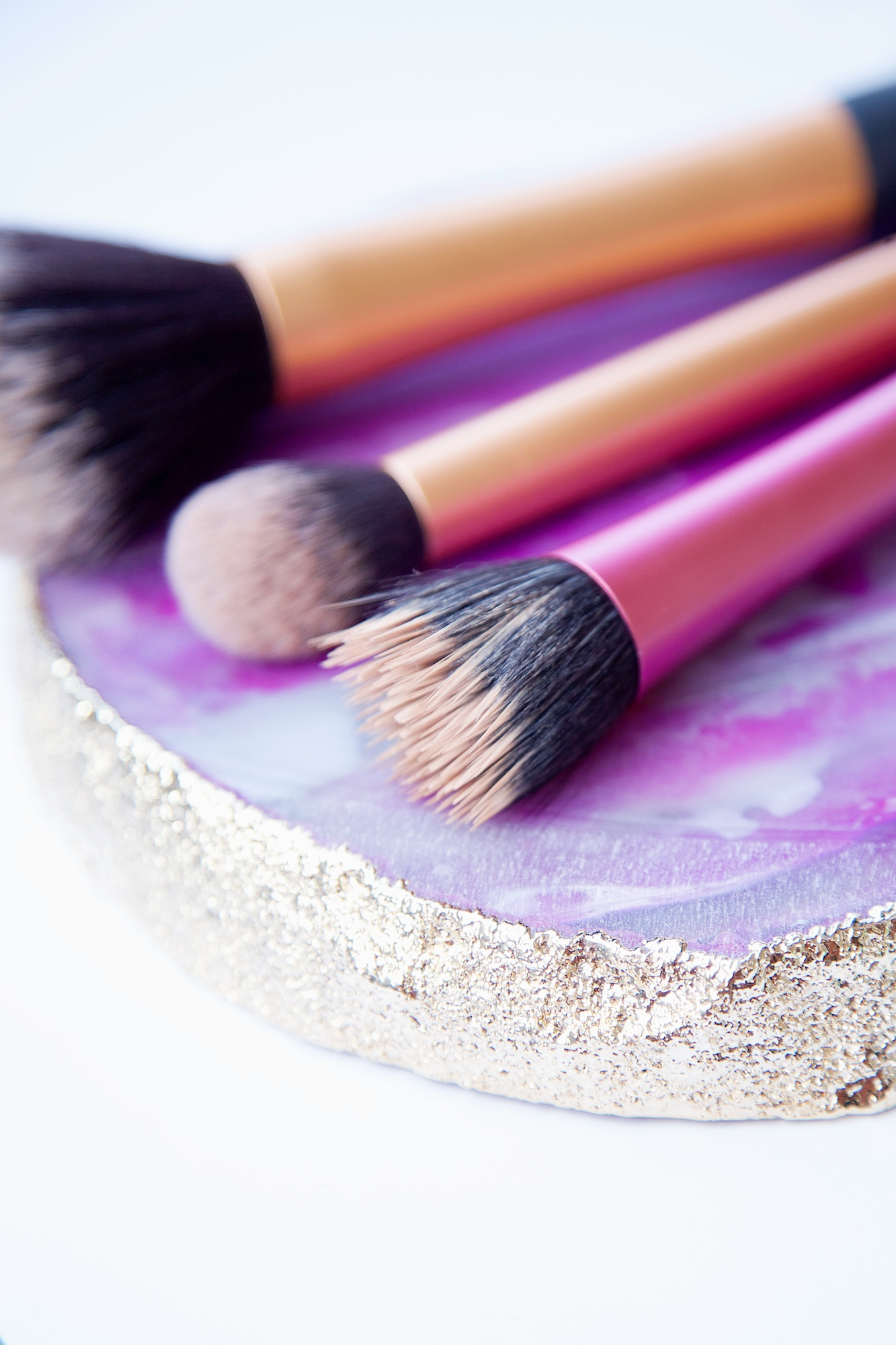How to clean make up brushes