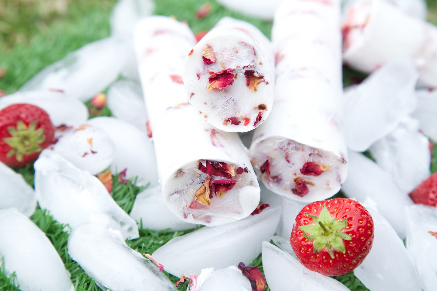 Strawberries and cream ice lollies