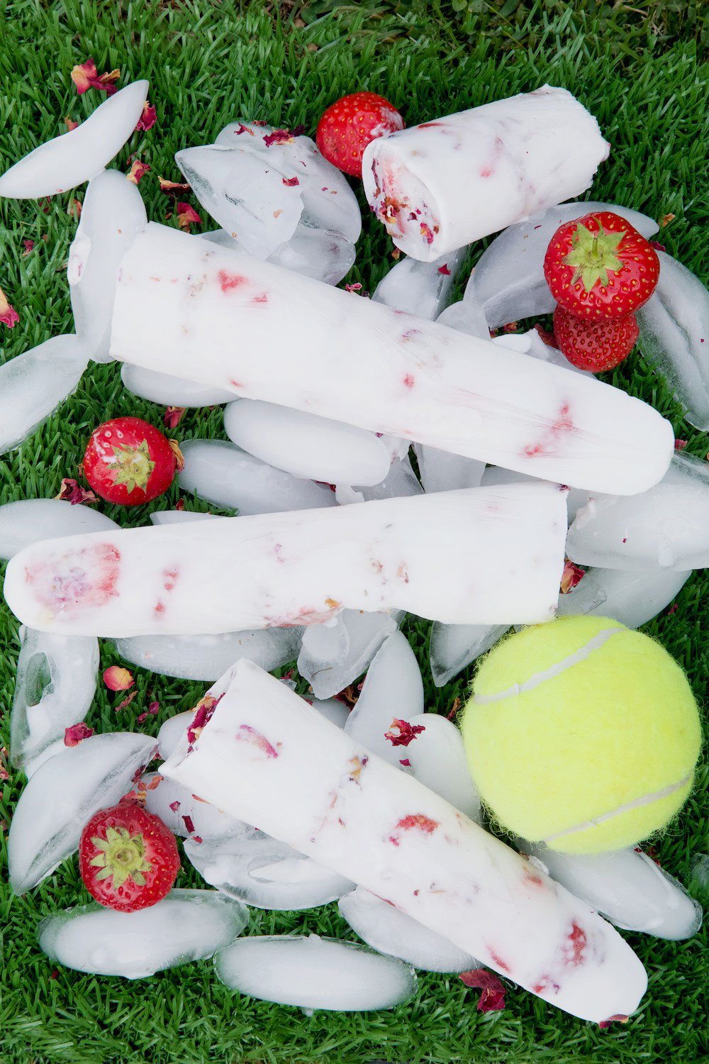Strawberry and Cream Ice Lollies