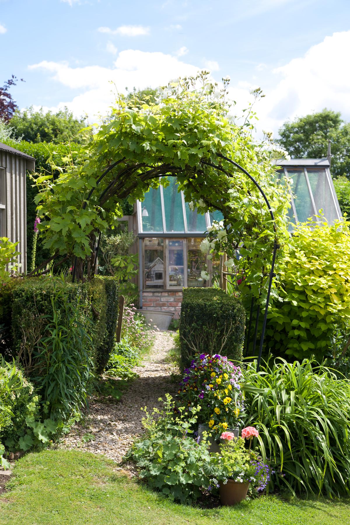 country garden ideas (8).jpg
