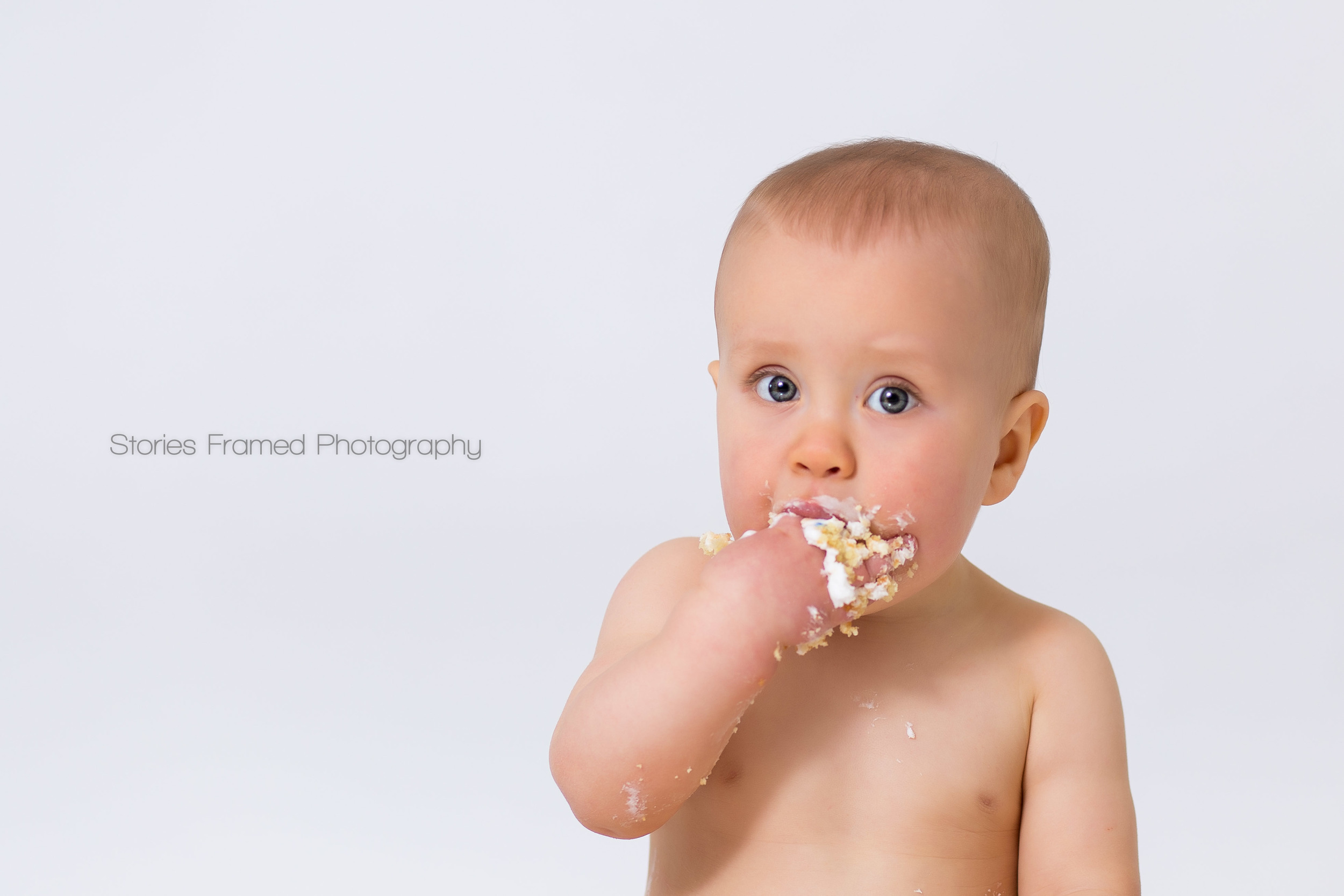 Stories Framed Photography | cake smash | Oliver